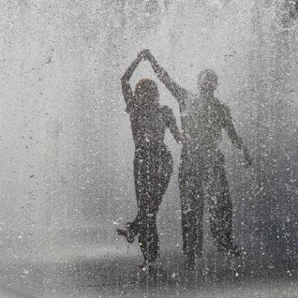 33条伤感爱情说说短语 爱情伤感说说一段话